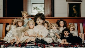 Dolls still 1920w